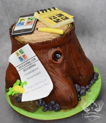 geocaching tree stump cake