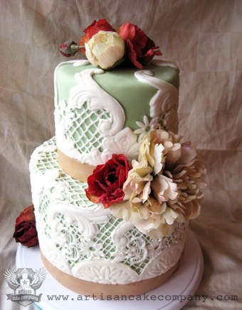 Vintage Look Wedding Cake