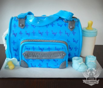 louie_vuitton_baby_shower_bag_cake