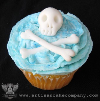 Pirate Skull and Crossbones Cupcakes