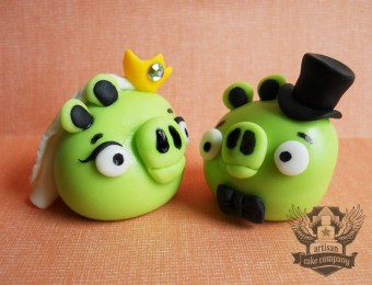 Angry Birds bride and groom topper