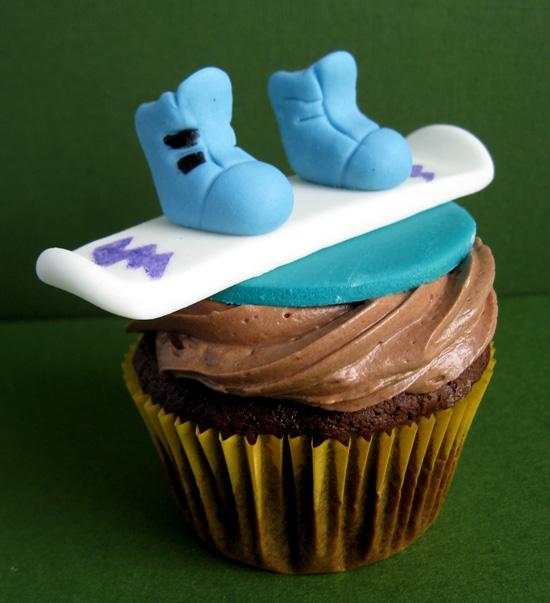 golden_birthday_cupcake_snowboard | Artisan Cake Company