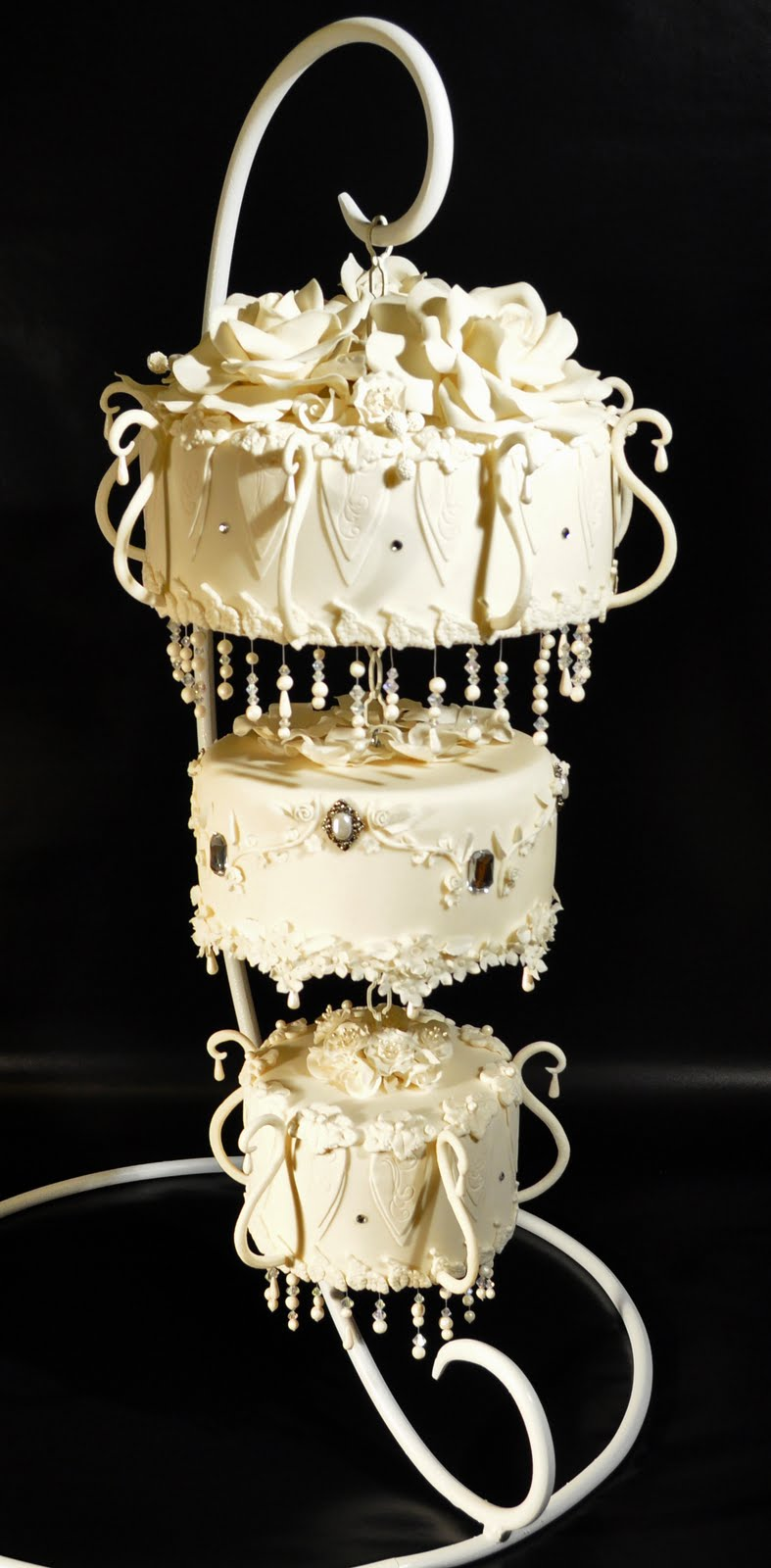 Chandelier wedding cakes artisan cake company look at this beauty from judys cakes she shows step by step photos on her blog and was even published in cake central magazine i am not surprised arubaitofo Image collections