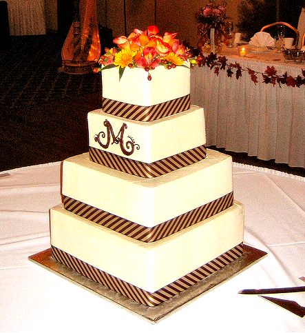 autumn wedding cake I absolutely adore the diagonal detail on the