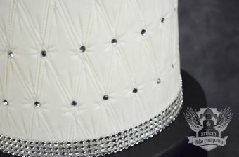 quilted_red_black_bling_wedding_cake