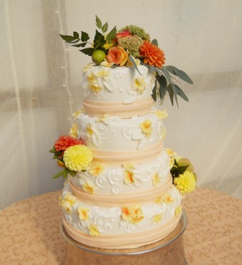 rustic peach and wildflower cake