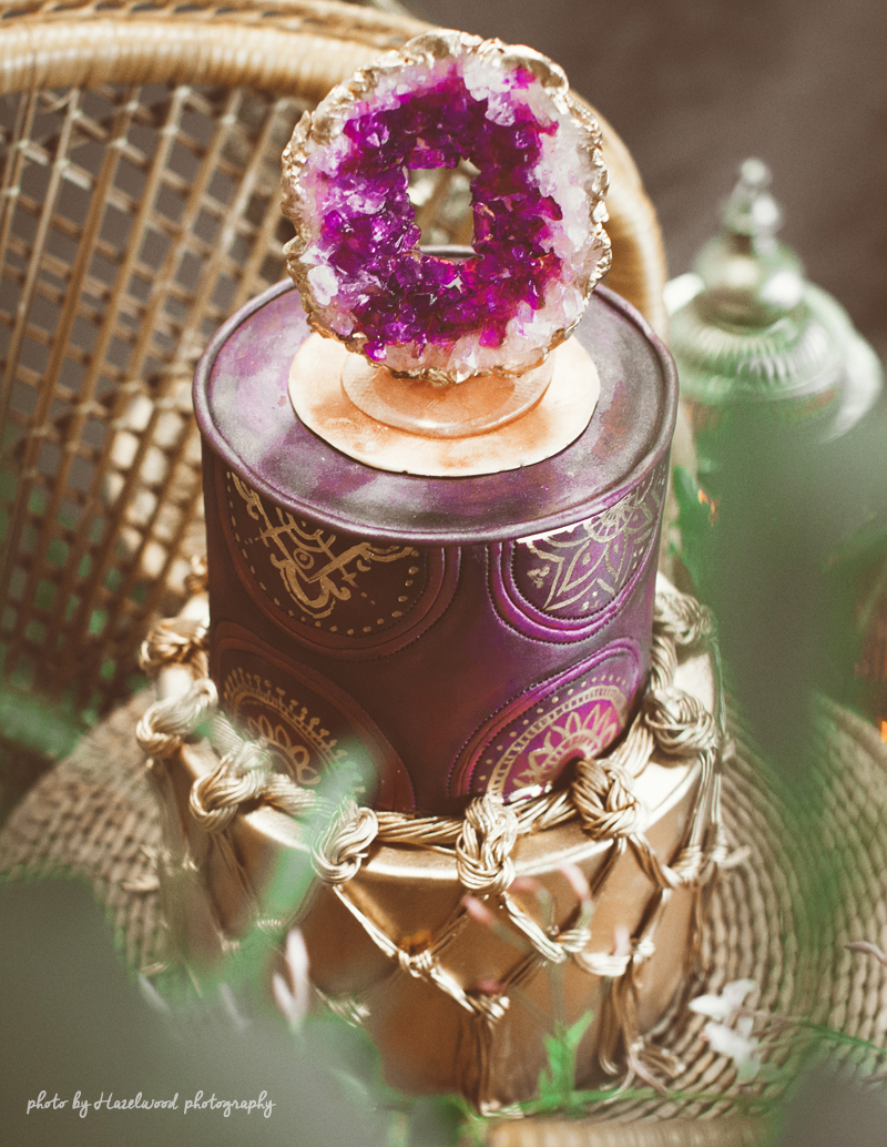 amethyst-wedding-cake